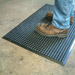 Industrial anti-fatigue mats